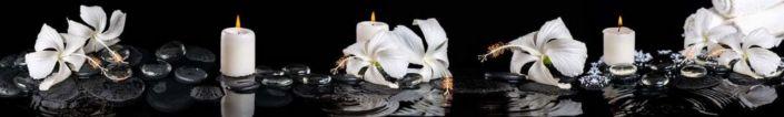 фартук для кухни белый цветок на мокром чёрном и свечи