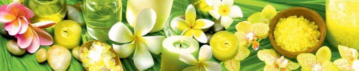 фартук для кухни жёлто-желёная компазиция цветов и свечей