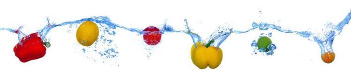 фартук для кухни перец и фрукты в воде
