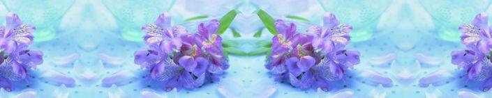 фартук для кухни цветки сиреневые на синем фоне