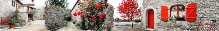 фартук для кухни фрески улочки каменными стенами и красными растениями
