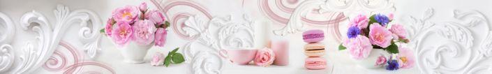фартук для кухни розовые цветы и пирожное макарони на белом фоне балерьефа