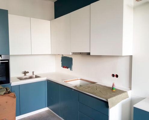кухня-в-светло-синих-тонах