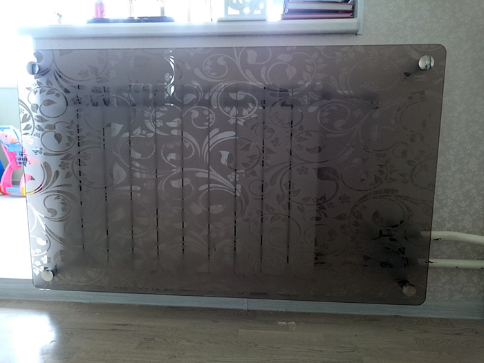 Батарея за стеклом экран